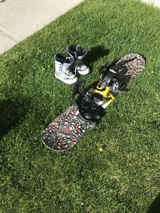 Kids beginner snowboard (128cm) and boots