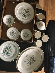 "Knowles China ""Carolina"" pattern dinnerware set"