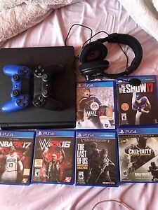 PS4 - 2 controllers - 6 games - headset