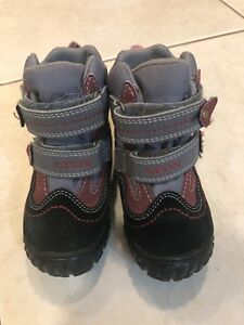 GEOX boots size 5.5 (21)