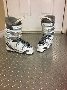 Skis boots