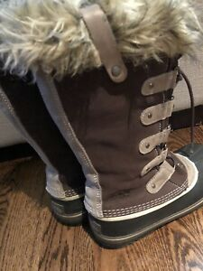 Sorel Joan Of Arctic- size 7