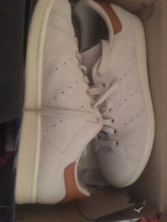 Adidas Stan Smith Off white and Brown US10 shoes