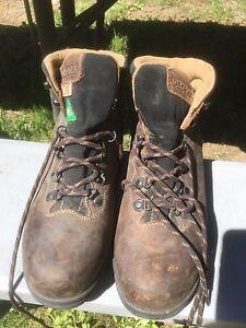 Women's Steel toe work boots sz 9.5