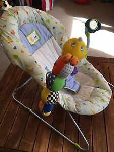 Safety First Bouncy chair with musical toy