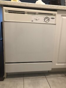 Whirlpool dishwasher white - excellent working condition