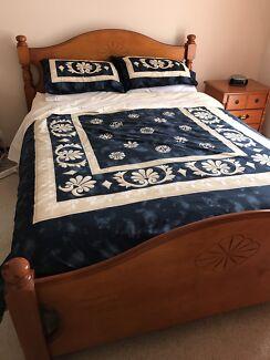 Solid wood Queen size bedroom suite!