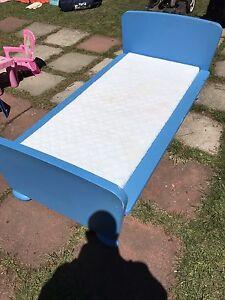 2 lits Ikea pour enfant