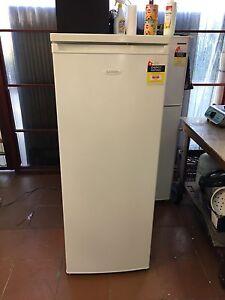 Lemair 239 L refrigerator 6 MONTHS OLD! Bexley Rockdale Area Preview