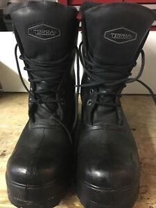 TERRA STEEL TOE INSULATED BOOTS !!!