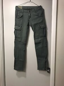 Army Green Cargo Style Pant - Size 3 - Never Worn