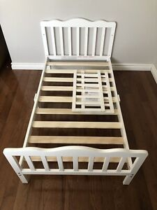 Storkcraft Toddler Bed - Brand new!!