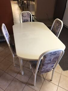 TABLE & 4 CHAIR S