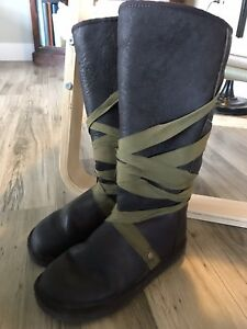 Winter boots UGG size 7