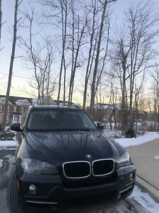 BMW X5 is 3.0si 76500kms