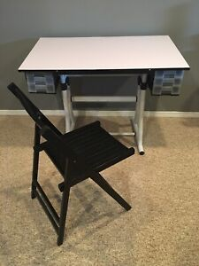 Art/crafts adjustable table and chair
