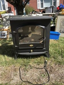 Dimplex Free standing Electric Fire Place $99