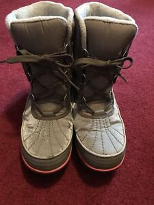 Women's Sorel Boots size USA 9