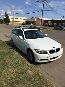2009 BMW 3-Series 328xi Wagon PRICE JUST REDUCED MUST SELL