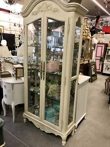 LIKE NEW!!! FRENCH STYLE CURIO CABINET