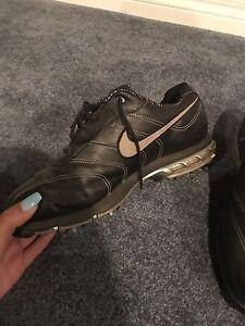 Nike black shoes!!!!!