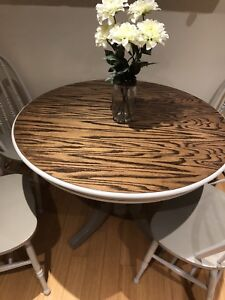 Gorgeous solid wood table and chairs