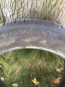 UN 1 pneu à donner