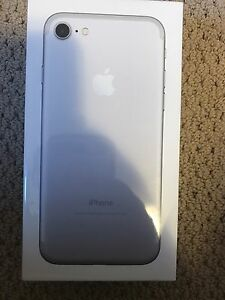 iPhone  7 32GB silver brand new