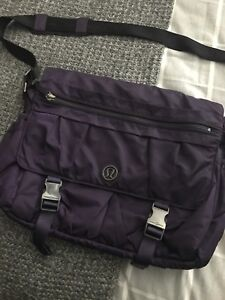 Lululemon messenger bag
