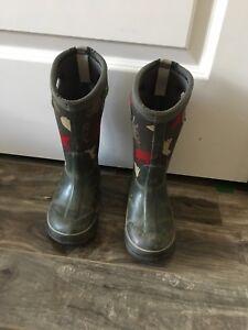 Bogs- winter boots/ bottes d'hiver pour garçons