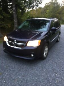 2012 Dodge Grand Caravan Crew reduced: $ 10500