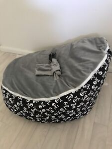 Baby bean bag/ snuggle pod Oak Flats Shellharbour Area Preview