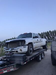 Parting out 2003 GMC Sierra 3500