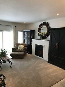 Luxury 2 Bedroom Main level Home