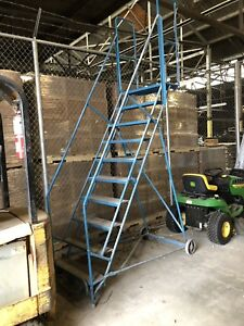 Rolling stairs / Safety ladder