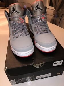 Air Jordan 5 retro taille 7y BRAND NEW