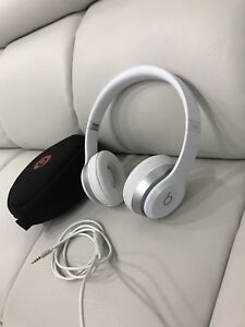Dr. Dre Beats Solo 2 Headphones (Wired)