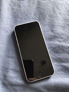 iPhons 5C 16GB white Unlocked Hampton Park Casey Area Preview