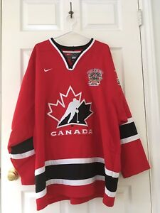 Team Canada jersey (red)