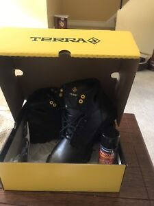 New work boots size 10.5