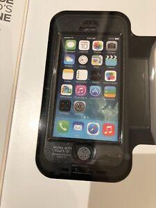 iPhone SE Lifeproof Nüüd Protective Case - Black Colour