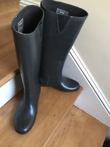 New never worn Aldo rubber rain boots size 36 ( 6-7)