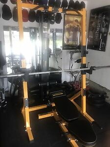 POWERTEC rack with plates and attachments