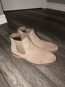 Mean Chelsea boots