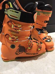 Mint condition Tecnica Cochise Pro 130 Freeride Ski Boot 27.5.