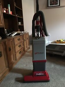 Commercial grade vacuum cleaner
