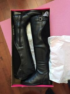 NIB Catherine Malandrino knee high boots size 7