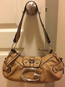 Brand New Authentic Guess Purse For Sale !