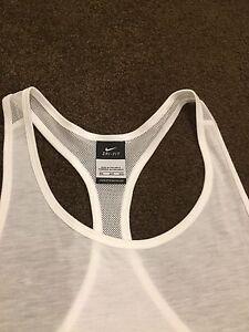 Brand new Ladies Crisp White Nike Singlet M Iluka Joondalup Area Preview