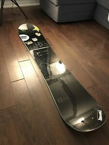 "FORUM snowboard ""the destroyer double dog 154"""
